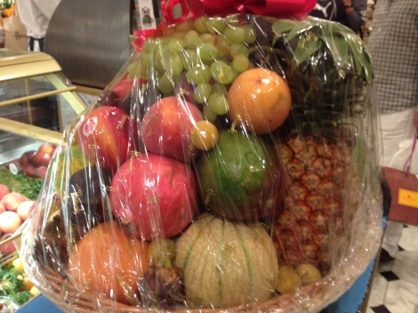 The fruit basket from Harrod's with very amazing fruits of perfect ripeness.