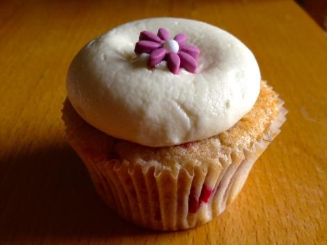 White Chocolate Raspberry Cupcake from Georgetown Cupcake